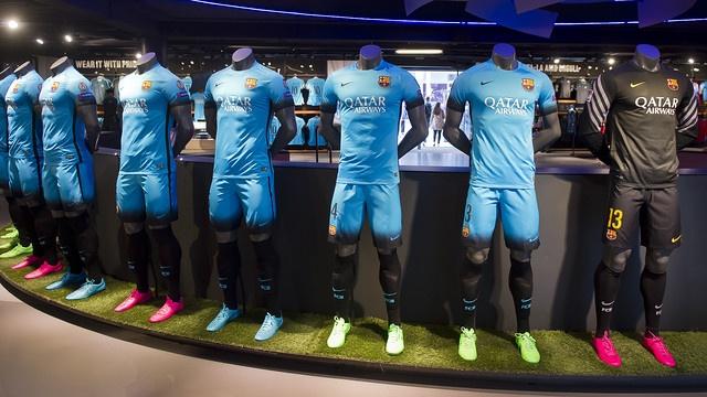 FC Barcelona Night Rising